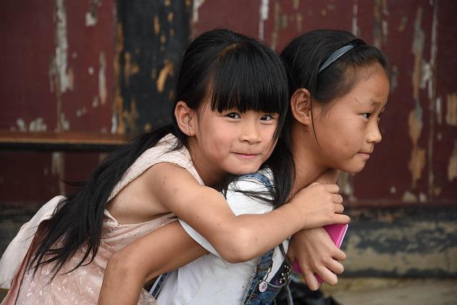 Các cặp vợ chồng Trung Quốc không thể đáp ứng khả năng kinh tế cho con thứ hai, bất chấp mong muốn của Bắc Kinh