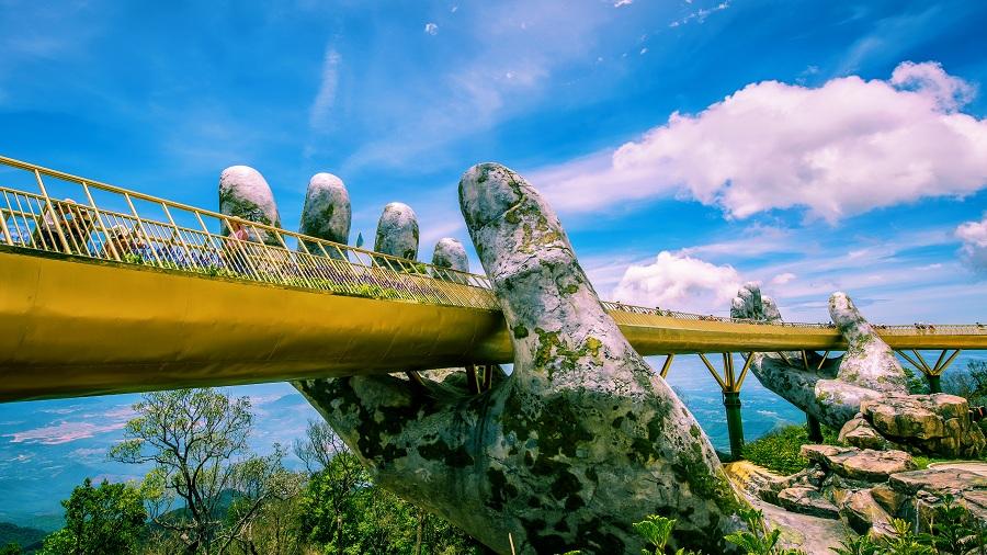 Dạo bước trên cao trên 'Cầu vàng' Việt Nam