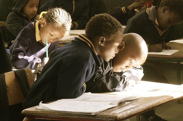 Nghiên cứu cho thấy dạy trẻ em bằng iPad đồng nghĩa chúng phải cố gắng tập trung khi không có công nghệ