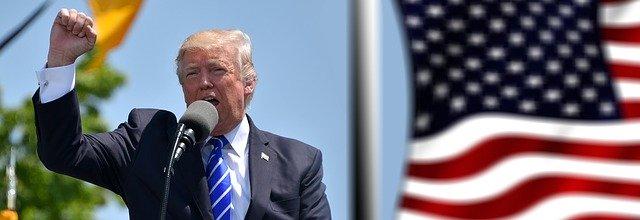 Mặc dù sự lây lan của coronavirus, Ông Trump vẫn xem xét mở lại nền kinh tế Hoa Kỳ